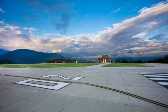 Wow! First commercial flight at Sikkim's beautiful Pakyong airport gets water cannon salute; watch video