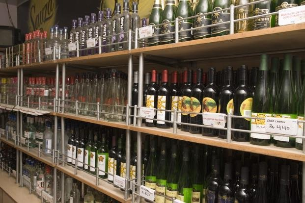 You May Soon Be Able To Order Liquor Online To Your Doorstep If You Live In Maharashtra