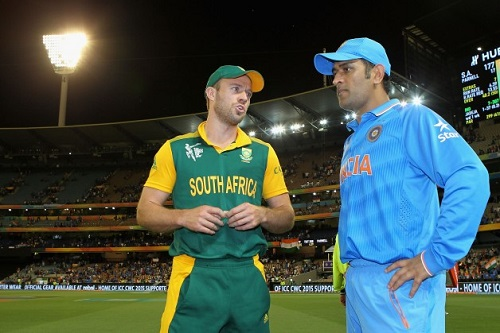 Dhoni can be 80, in a wheelchair, and he would still play for my team: AB de Villiers
