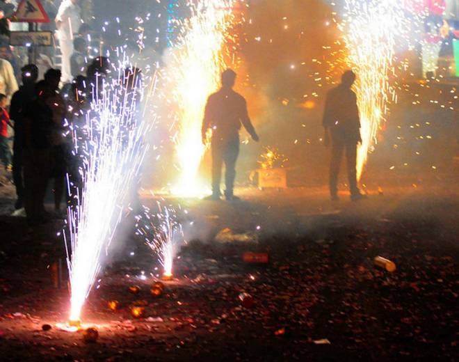 Allow bursting of crackers from 4.30 a.m. to 6.30 a.m. during Diwali: TN govt. to SC