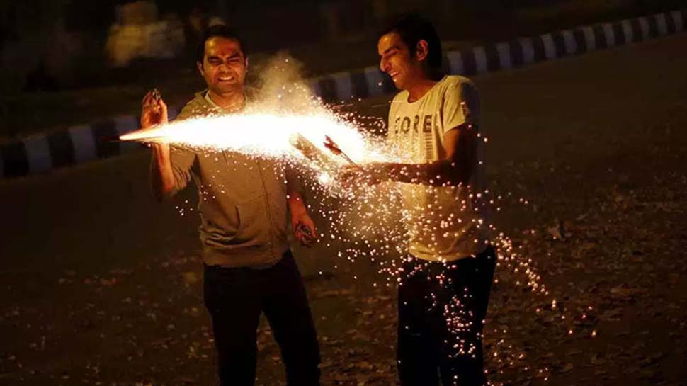 Firecrackers other than green crackers not to be sold in Delhi-NCR: Supreme Court