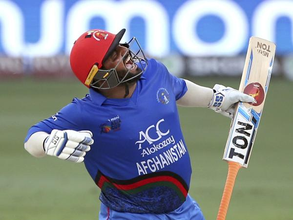 WATCH: Mohammad Shahzad slams record-breaking 74 runs off 16 balls, takes T10 League 2018 by a storm