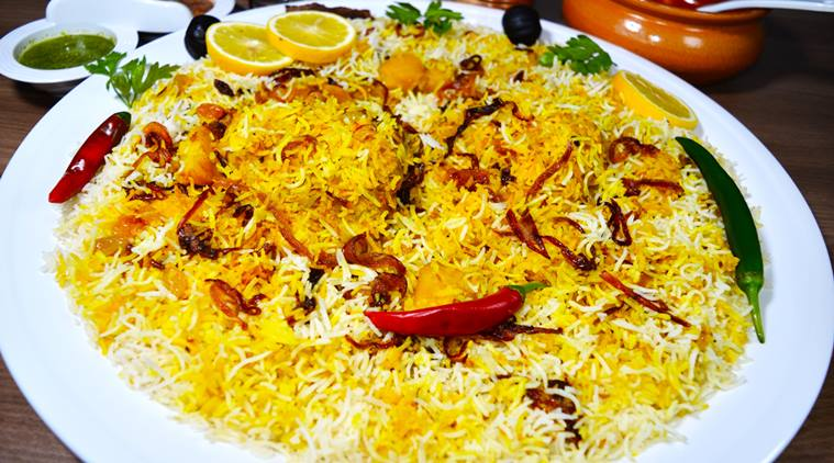 Woman kills boyfriend, cooks body parts with rice and serves it to Pakistani construction workers