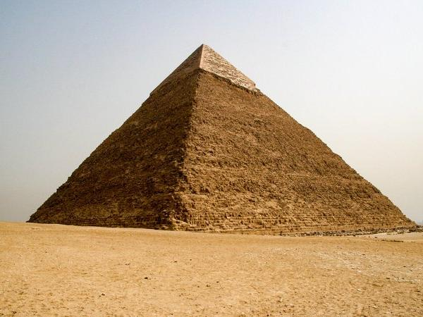 Egyptians outraged after picture of couple making out on top of Great Pyramid goes viral