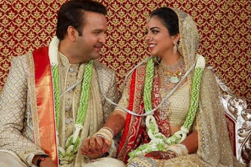 Isha Ambani, Anand Piramal Tie the Knot in a Star-Studded Ceremony, First Pics of Newlyweds