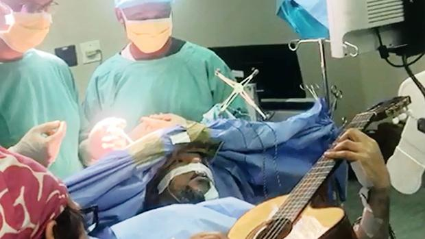 Jazz Musician Plays Guitar Through Brain Surgery So That Doctors Can Preserve His Talent