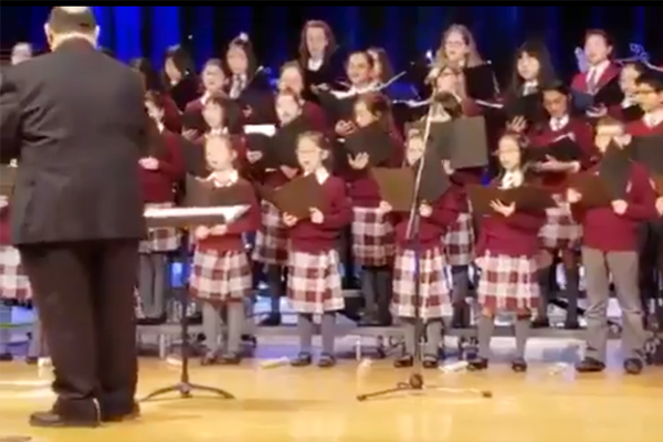 Canadian children sing 'Om Jai Jagdish' during a Christmas concert, video goes viral - Watch