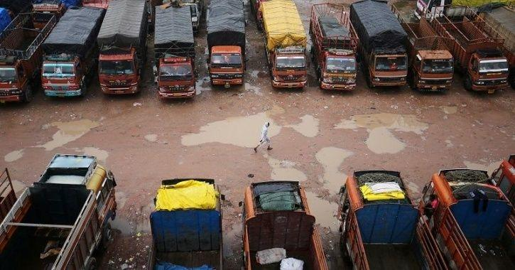 Trucks And Buses In India Will Soon Be Compulsorily Equipped With Reverse Parking Alert Systems