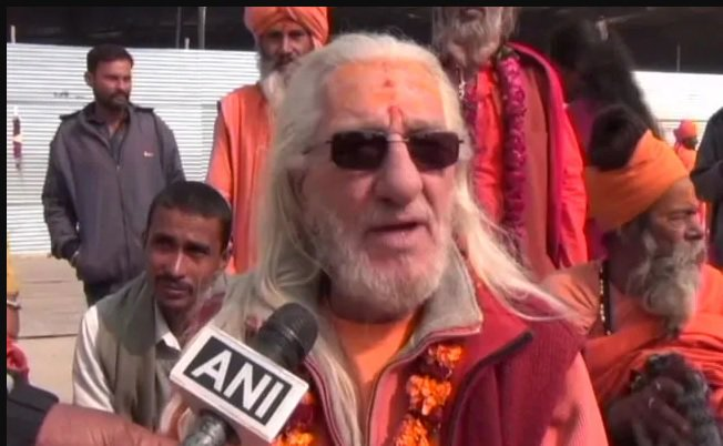 "Meet The ""French Baba"" Who Has Become A Head-Turner Ahead Of Kumbh Mela"