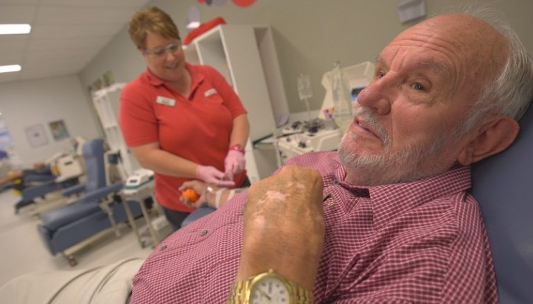Man Donated Blood Plasma Every Week for 60 Years And Saved the Lives of 2.4 Million Babies