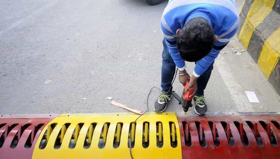 Noida installs tyre killers to check wrong side driving