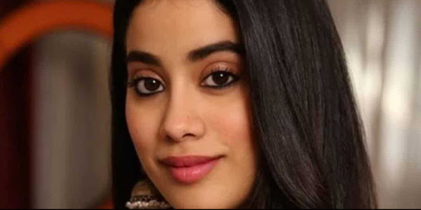Photographers tease Janhvi Kapoor by calling her Sara Ali Khan, watch her reaction
