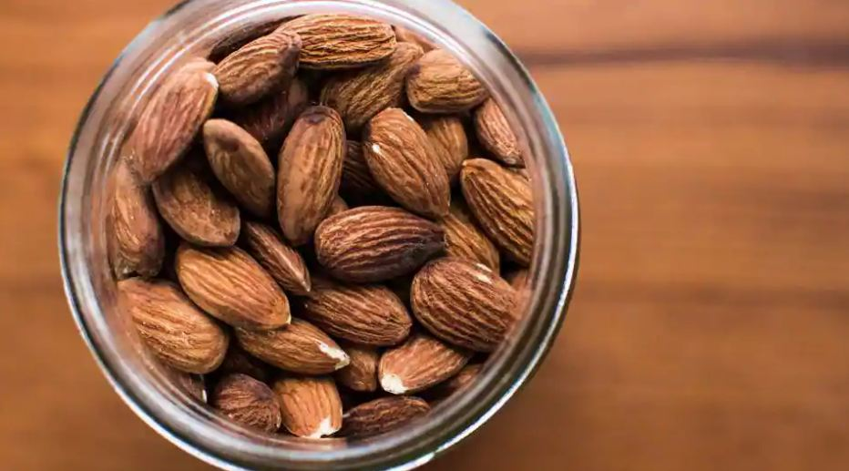 Here's why you should eat more almonds