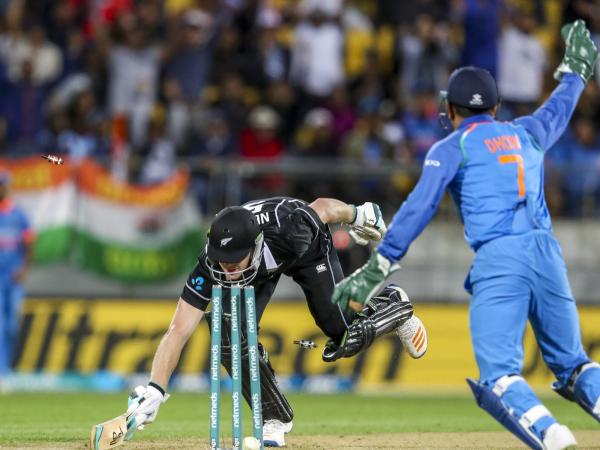 MS Dhoni runs James Neesham out, wins hearts of Twitterati