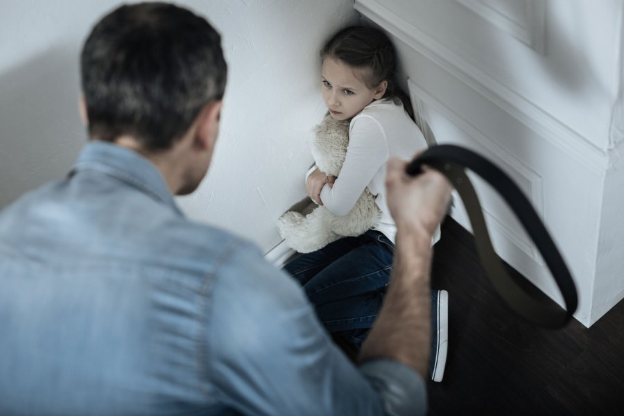Spanking Can Make Your Child Dumb And Aggressive According To Scientists
