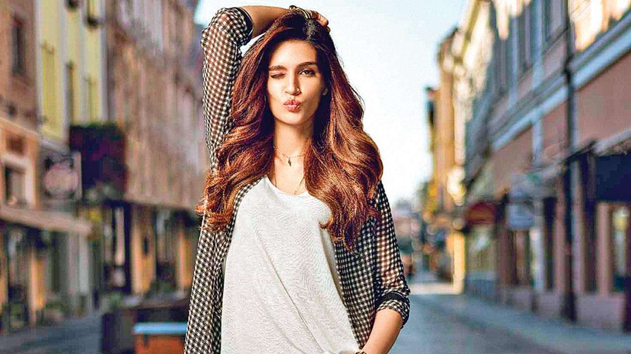 Kriti Sanon says people see your acting more if you are in a de-glamorous role