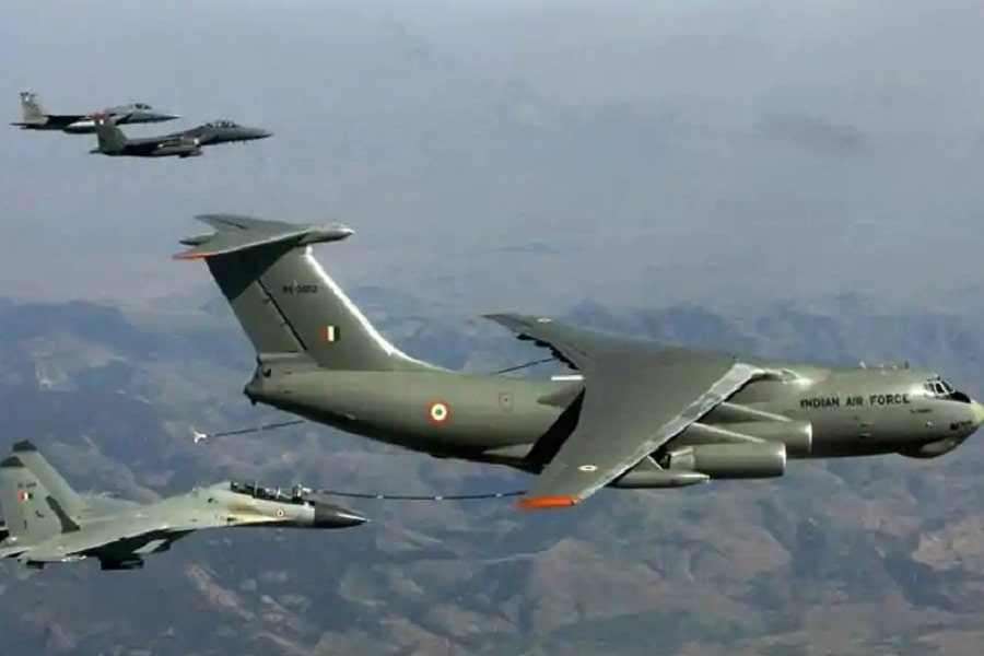 Indian Air Force jets crossed LoC, claims Pakistan
