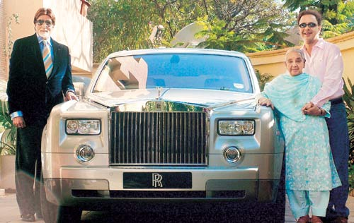 Amitabh Bachchan sells his Rolls Royce Phantom, a gift from Vidhu Vinod Chopra worth Rs 3.5 crore. Read details