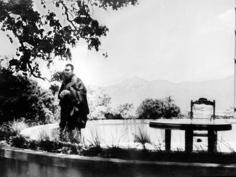 See how 60 years ago the Dalai Lama escaped China-ruled Tibet
