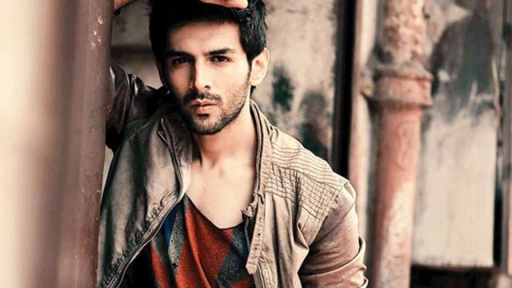 Kartik Aaryan showered with marriage proposals, one asks for his advance booking