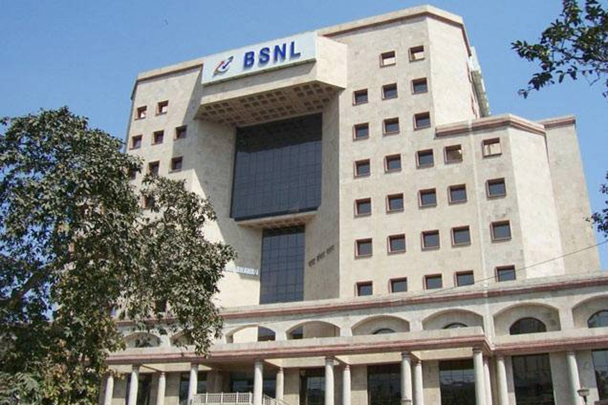54,000 BSNL Staff Likely to Lose Jobs as Telecom Ministry Waits for EC Nod: Report