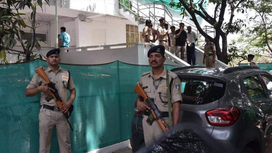 Kamal Nath, Shivraj Chouhan trade barbs after CRPF, Bhopal cops face-off over IT raid