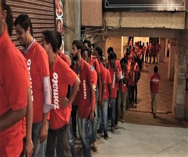 'Bawarchi Hyderabad Biryani' Outlet Receives 2000 Orders In-A-Day Through 'Zomato Offer Delivery'
