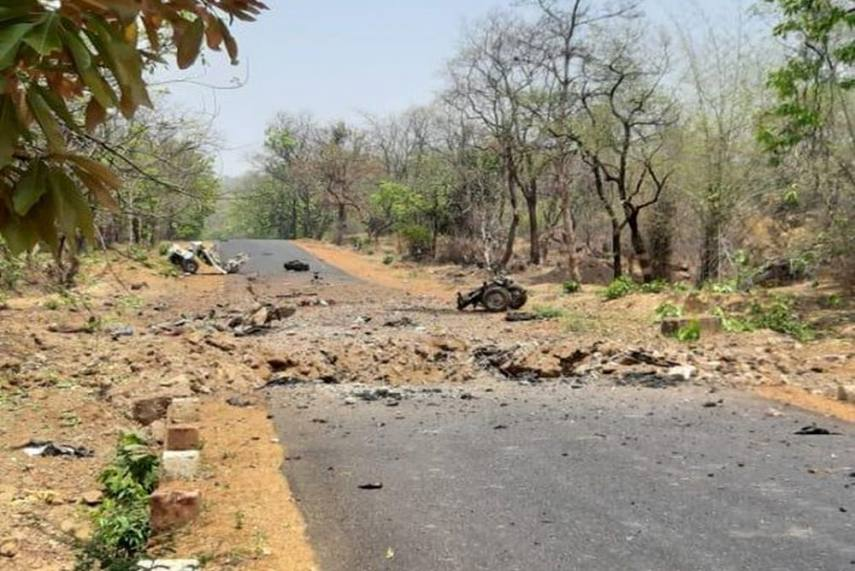 15 commandos, driver killed in blast by Maoists in Maharashtra's Gadchiroli