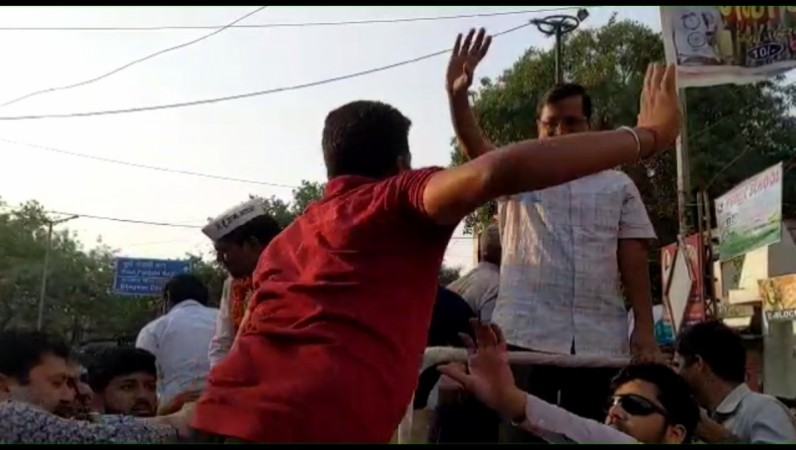 Delhi CM Arvind Kejriwal slapped during roadshow in New Delhi