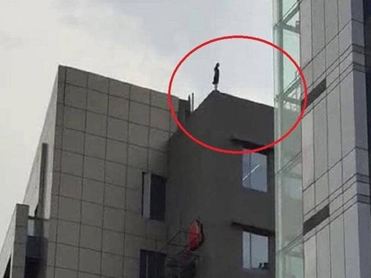 Gurugram woman threatens to jump off building after being fired, gets job back
