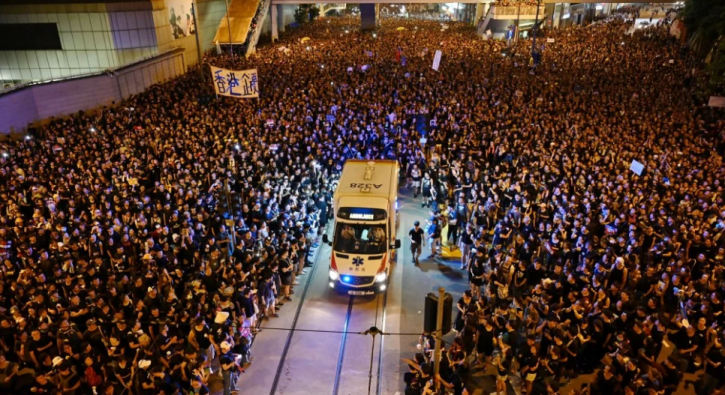 Video of 2 Million Hong Kong Protesters Making Way for Ambulance Will Restore Your Faith in Humanity
