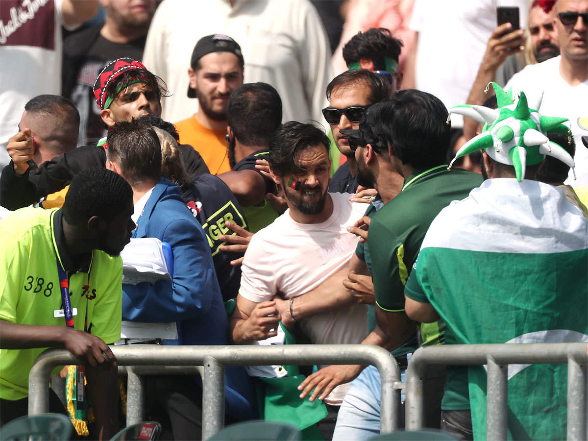 ICC World Cup 2019: As their teams fight it out, Pakistan and Afghanistan fans come to blows