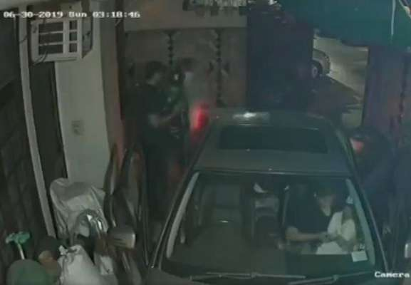 Delhi Couple Robbed At Gunpoint In Shocking Video, Children Were In Car