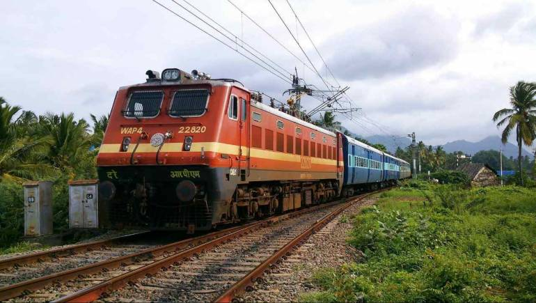 Delhi man pulls chain of Shatabdi Express to let his mother finish breakfast