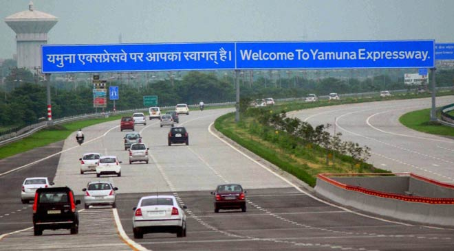 Why the Yamuna Expressway continues to remain accident-prone