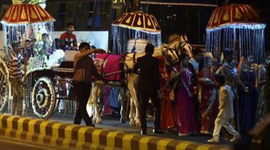 Delhi government plans to put a cap on number of guests at weddings