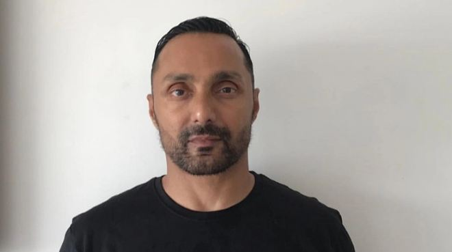 Rahul Bose orders two bananas in a hotel, gets Rs 442.50 bill