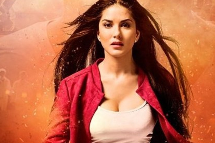 Sunny Leone's 'Phone Number' from 'Arjun Patiala' Belongs to Delhi Man and He's Not Taking it Well