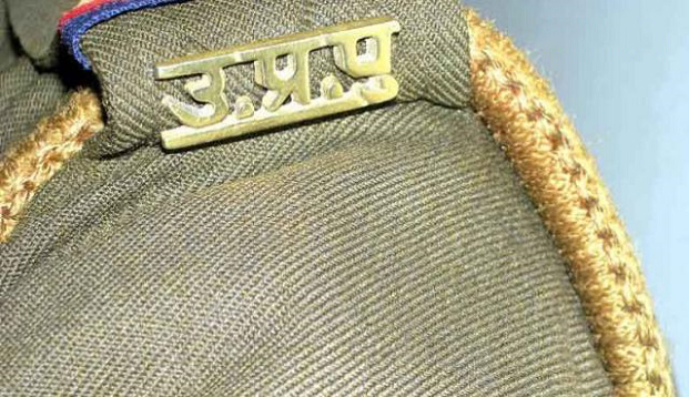 Judge makes Uttar Pradesh cop take off uniform, transferred