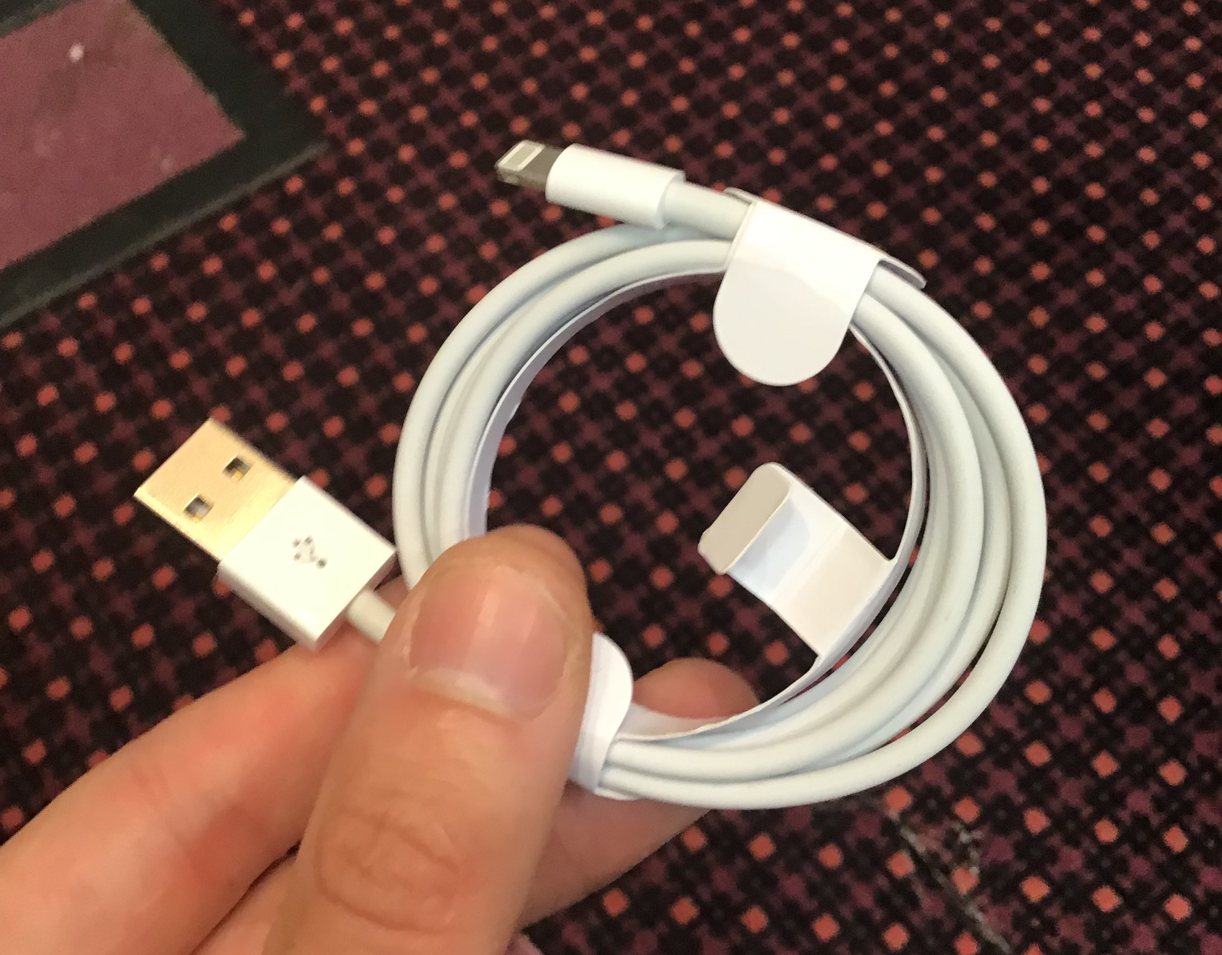 These Legit-Looking iPhone Lightning Cables Will Hijack Your Computer
