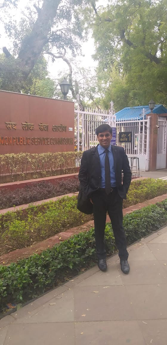 'Studying For Hours Not Mandatory to Become IAS,' Says UPSC Topper Who's a Working Dad!