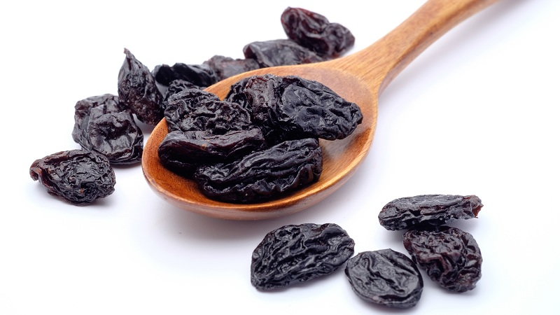 21 Research Based Black Raisins Benefits For Skin, Hair & Health !