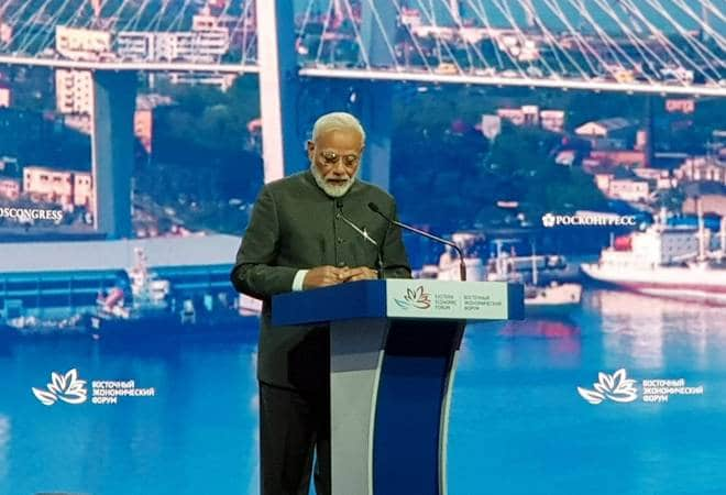 PM Narendra Modi says India will offer $1 billion loan to Russia for the development of the Far East | Highlights