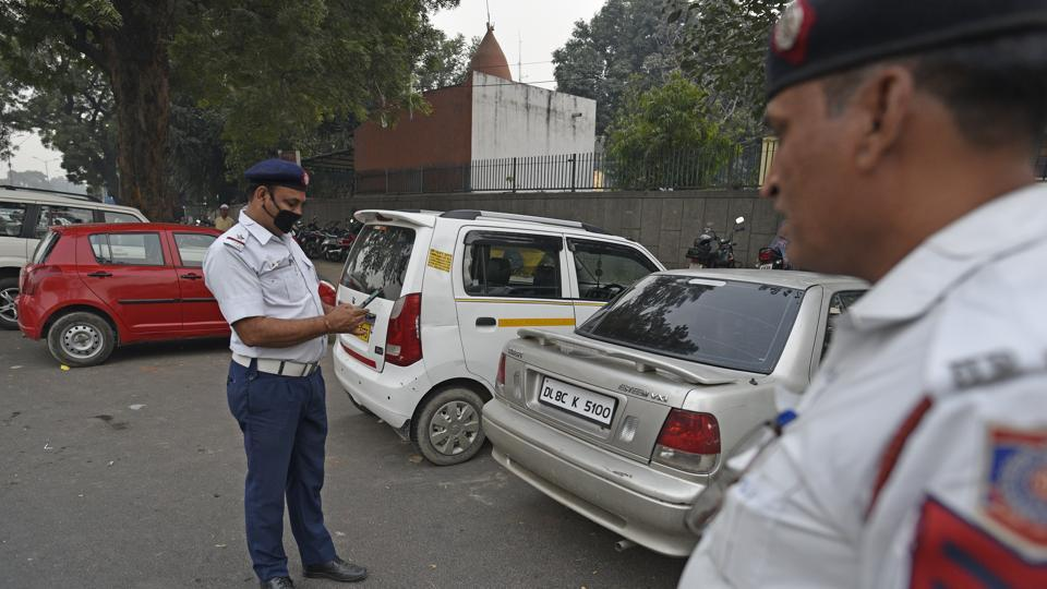 Greater Noida man fined twice within a minute for one traffic violation