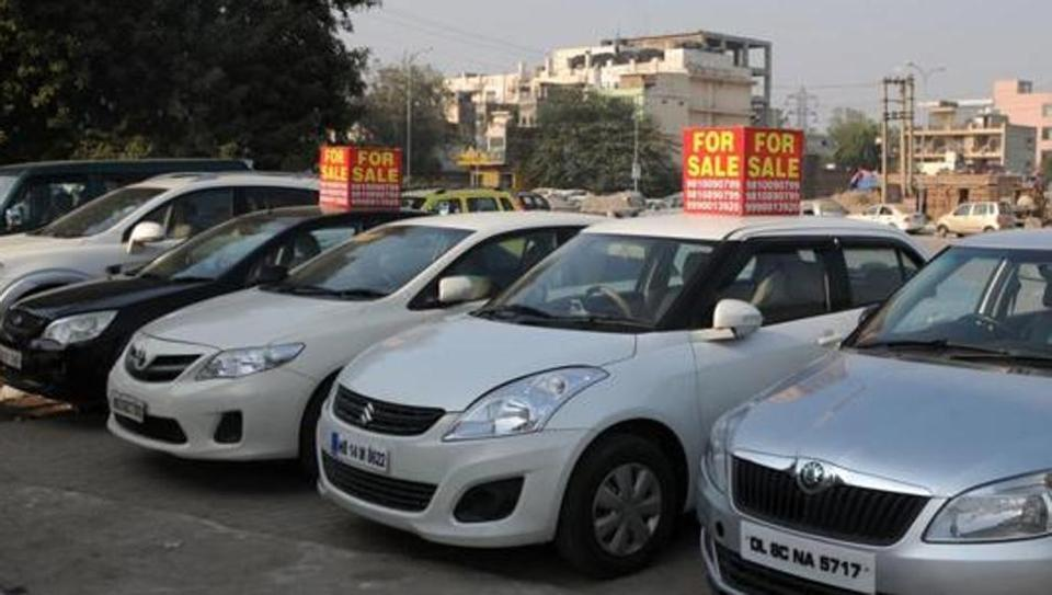 Car registrations down in Delhi for first time in 6 years