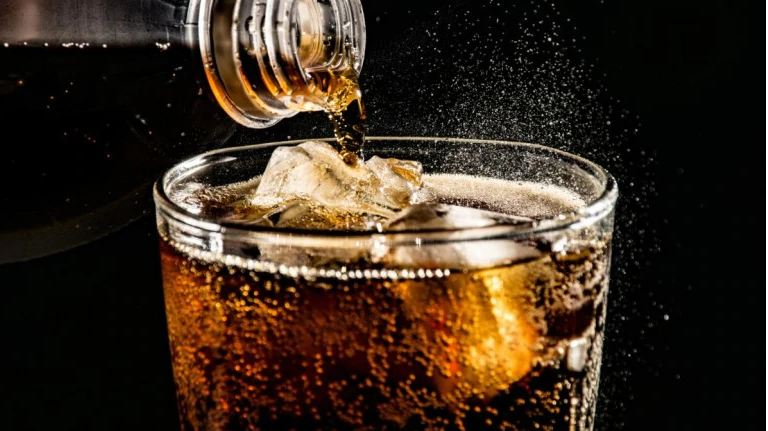 Cannot do without your soft drink? It can lead to tooth wear and obesity