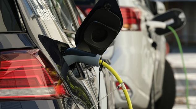 New Battery Design Can Charge an Electric Car in 10 Minutes