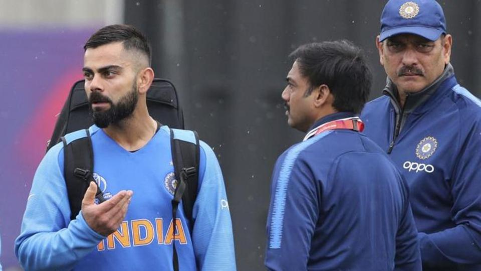 Former India wicket-keeper tears into selection committee, claims he saw them get tea for Anushka Sharma during World Cup