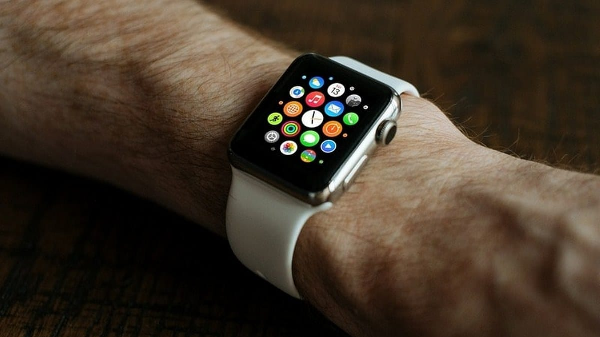 Doctor Sues Apple Over Apple Watch's Ability to Detect Atrial Fibrillation