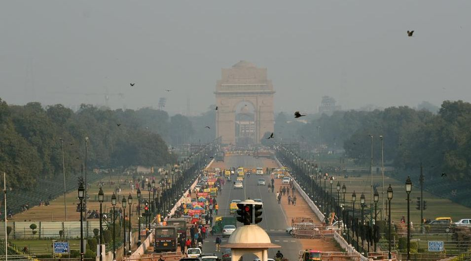 A warmer Friday morning for Delhi, increase in wind speed improves air quality